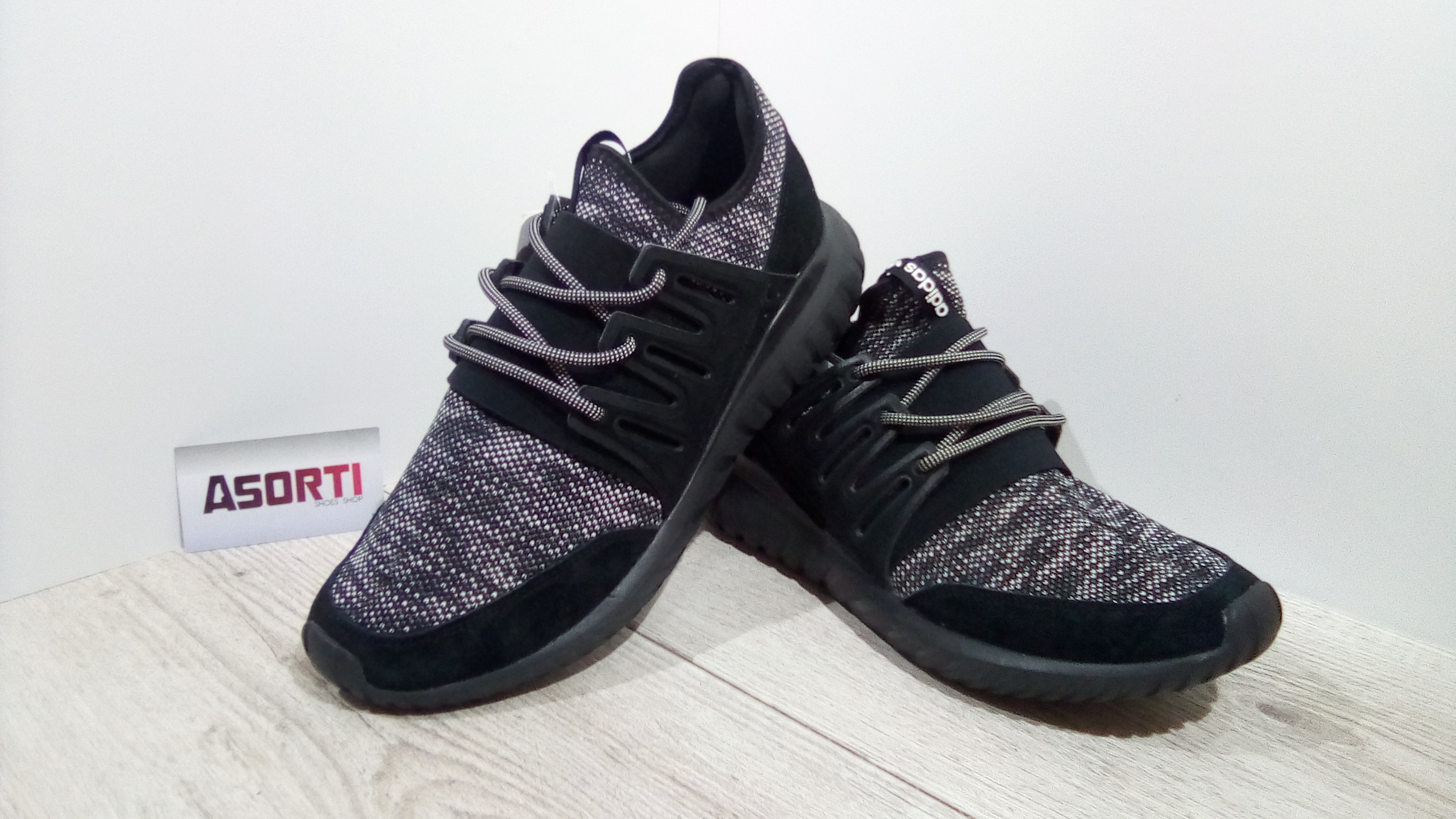 sneakers for cheap 900e1 374ab Мужские кроссовки Adidas Originals Tubular Radial (BB2394) черные