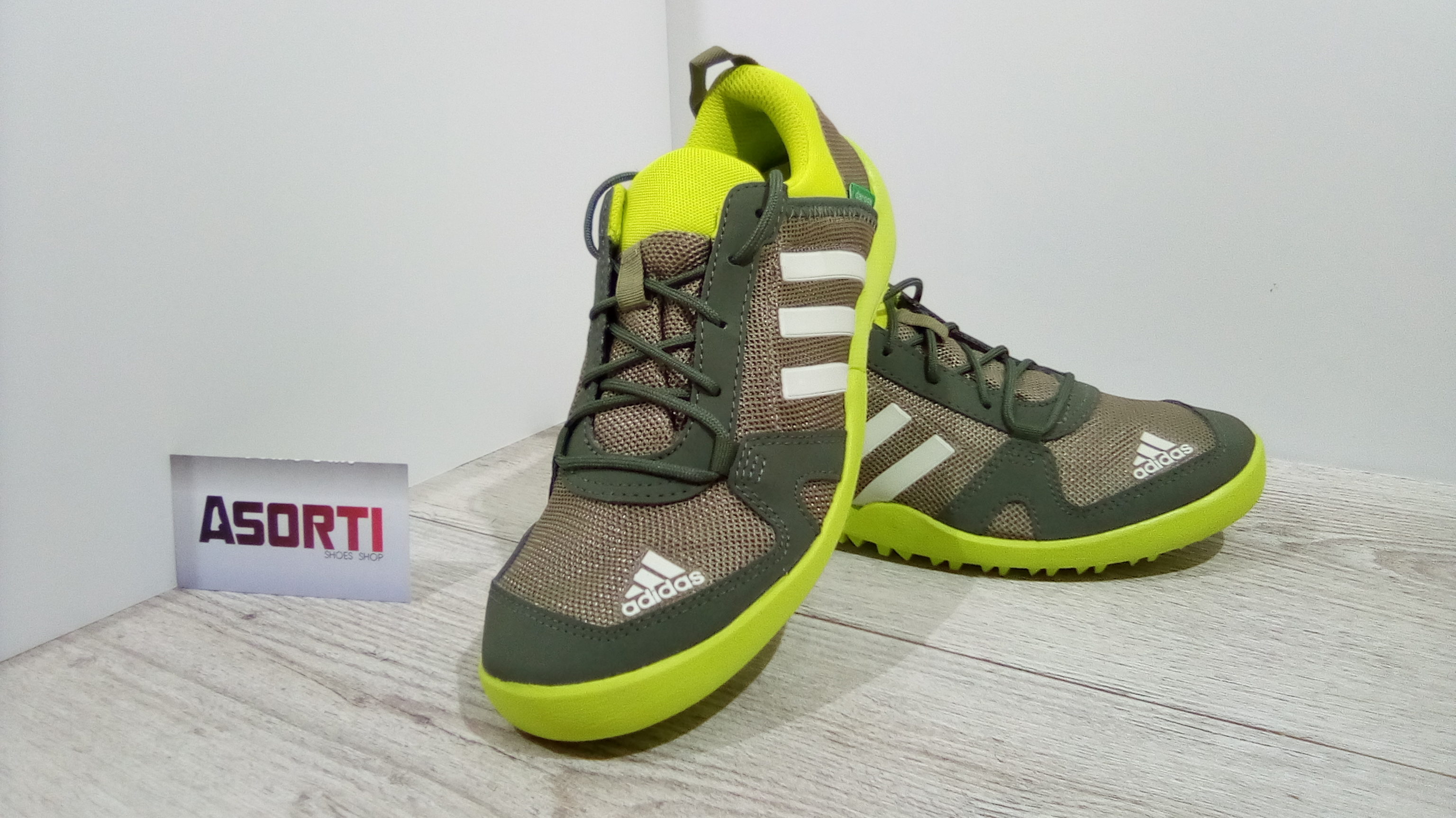 a744fae21ae41a Жіночі кросівки Adidas Daroga Two K (B44409) хакі купити в Україні ...