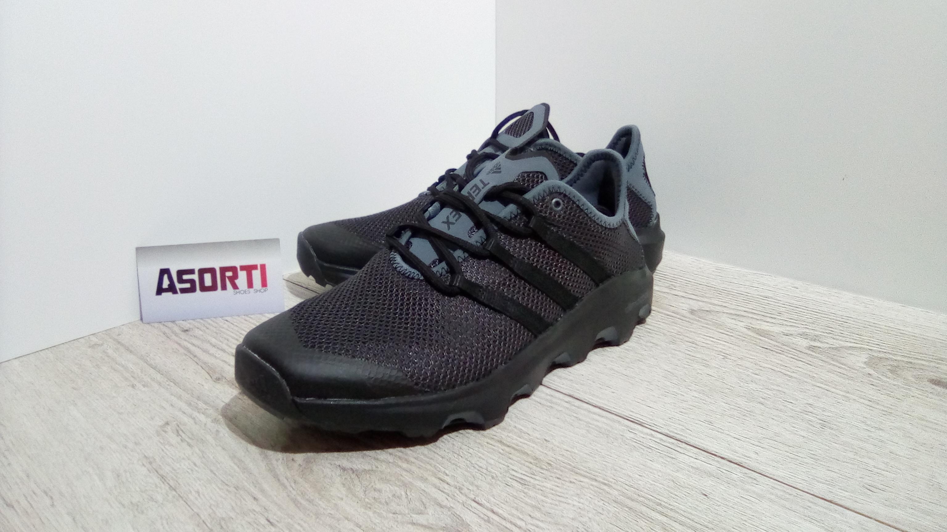 best website f3196 a96be Мужские туристические кроссовки Adidas Terrex CC Voyager (BB1890) черные