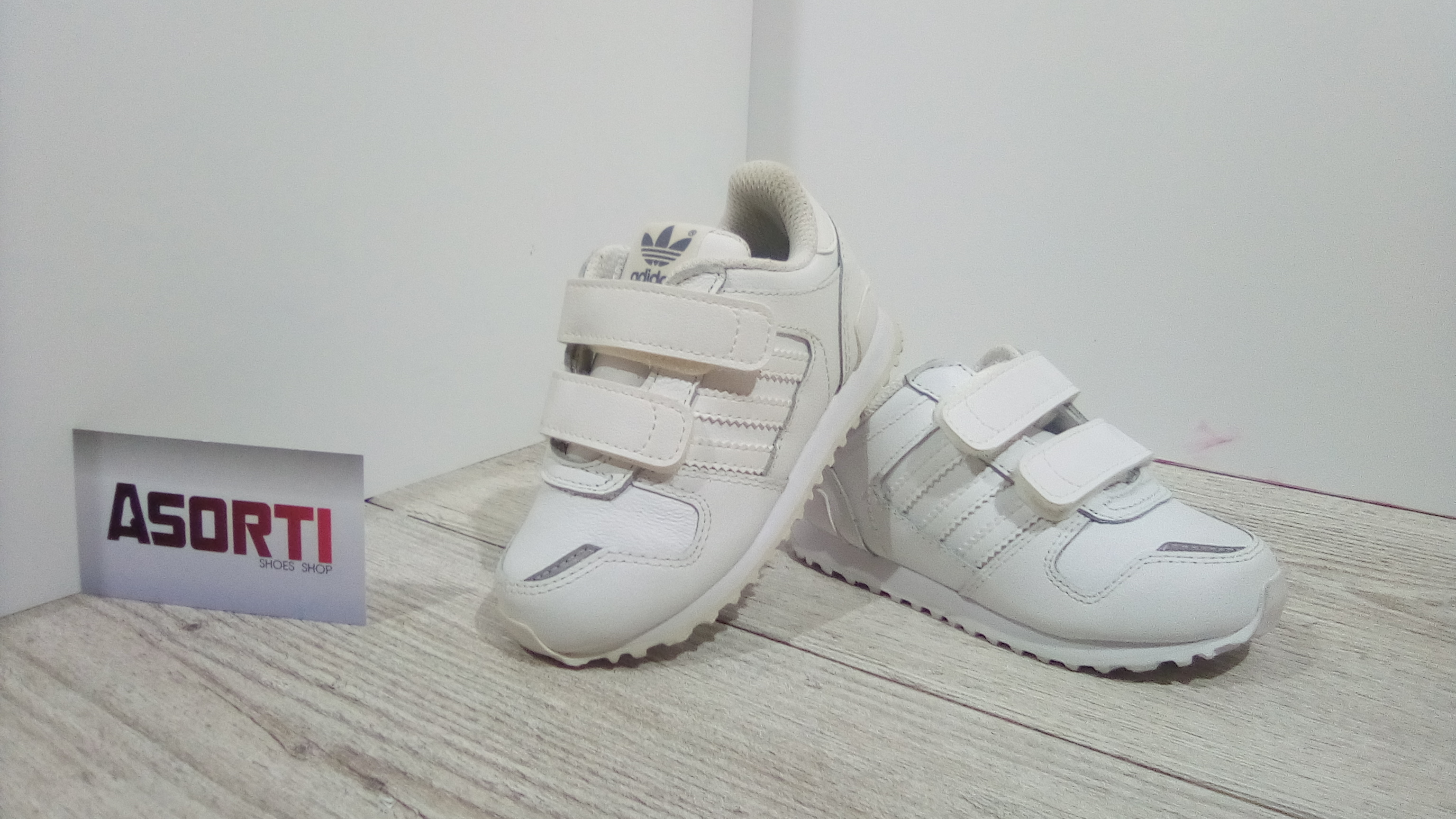 d3e5475c Детские кроссовки Adidas ZX 700 CF I (Q23981) белые купить в Украине ...