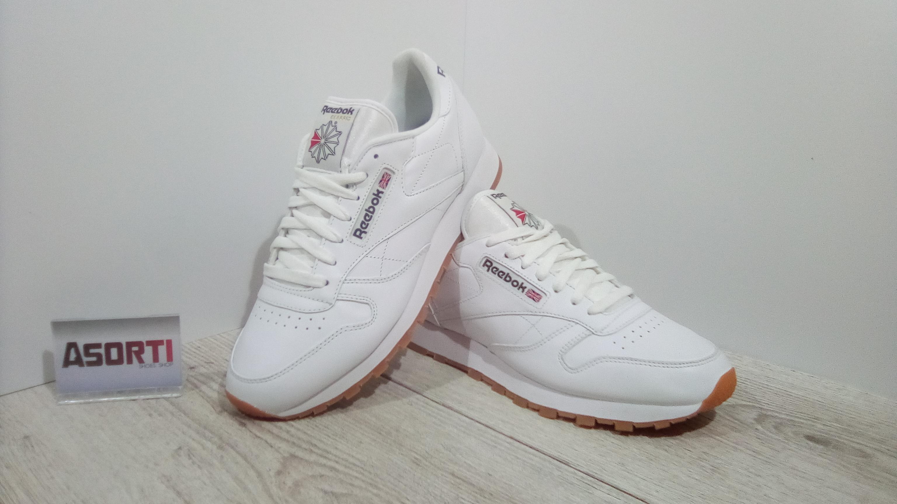 Чоловічі кросівки Reebok Classic Leather (49799) білі купити в ... 692f15d8ebff0