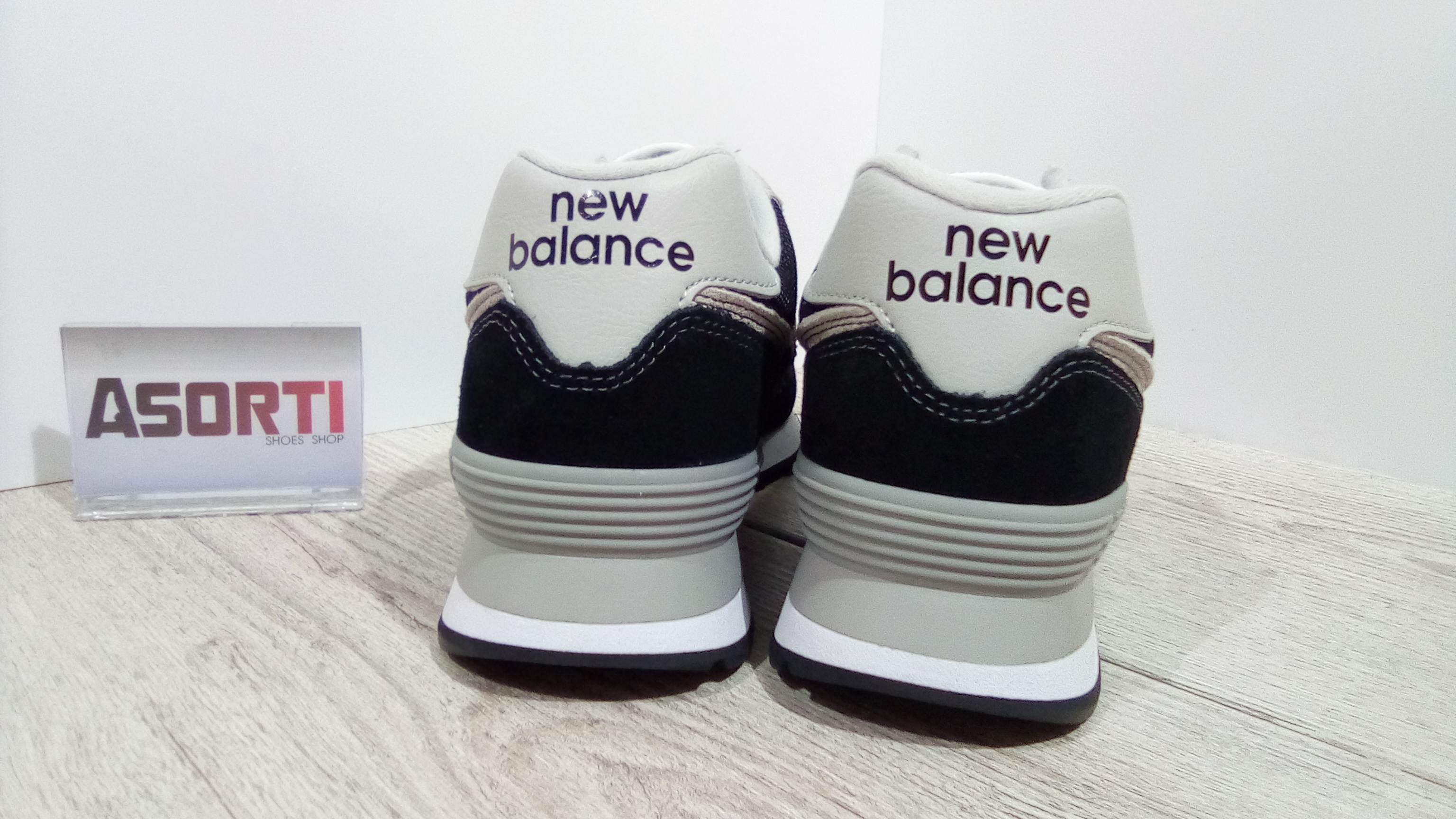 Чоловічі кросівки New Balance (ML574EGK) чорні купити в Україні ... bae53a176b589