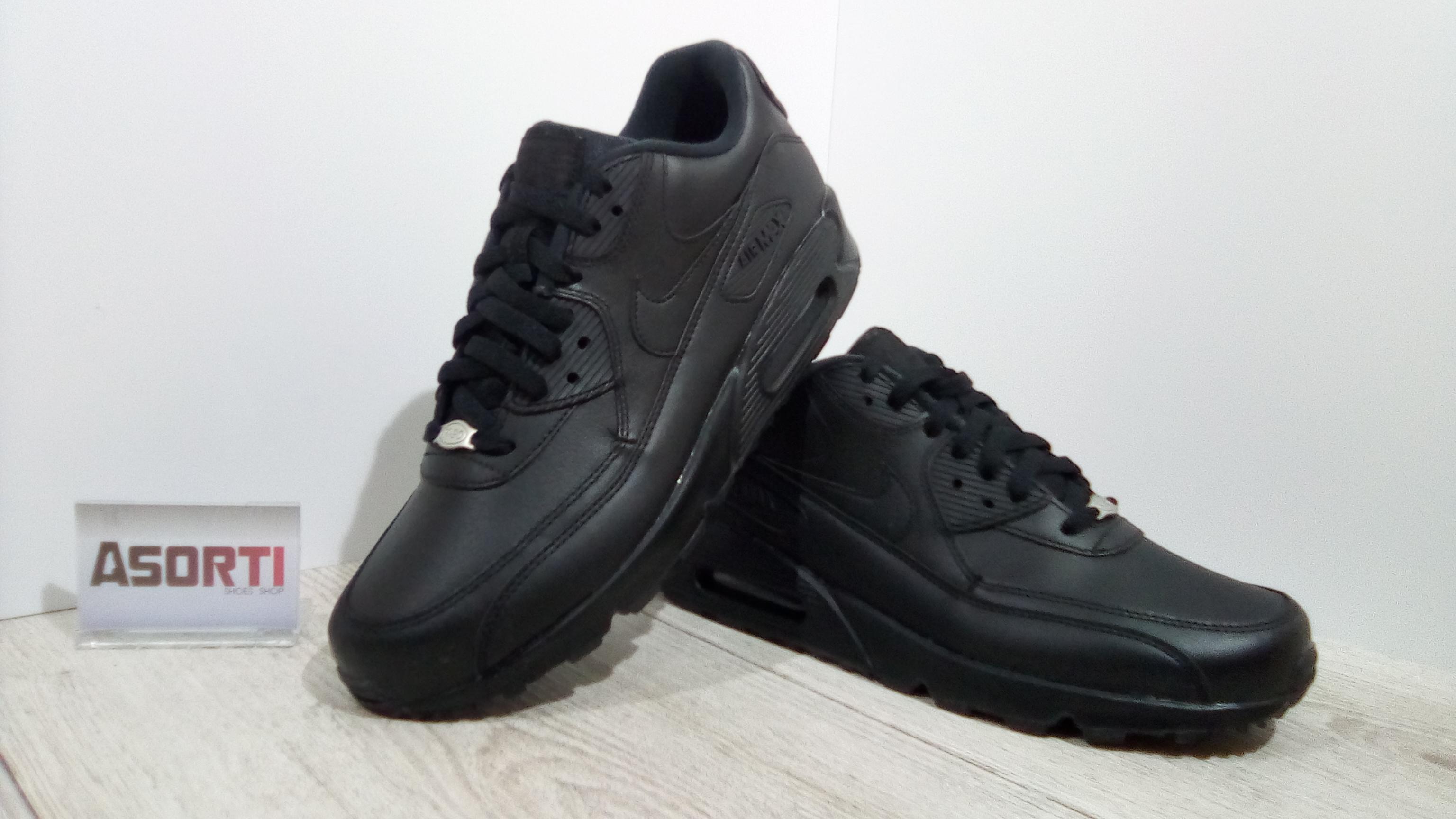 60507b3a1f84 Мужские кроссовки Nike Air Max 90 Leather (302519-001) черные купить ...