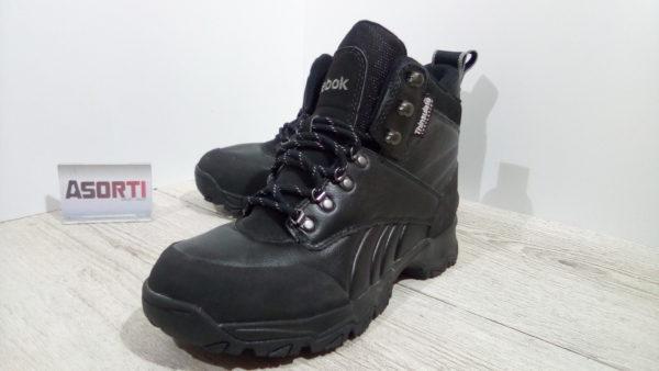 Мужские утепленные ботинки Reebok Crestview TR II (J16890) черные