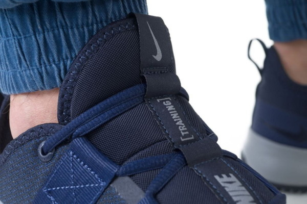 кроссовки Nike Varsity Compete TR 2 (AT1239-400)